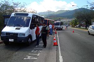 Fiscales de Imvitracv revisan unidades de transporte público