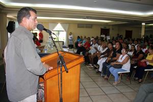 El Alcalde, Alexis Toledo, instó a los servidores turísticos de las playas y balnearios a consolidar el turismo social en Vargas