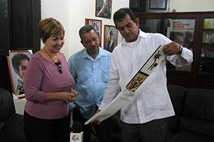 Alcalde Toledo despide a Diplomático Cubano