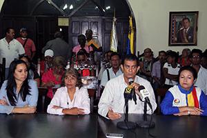 Alcalde invita a participar en simulacro electoral