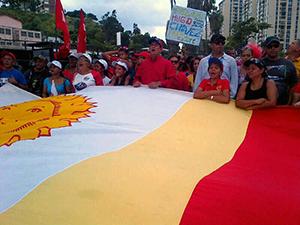 Primer mandatario municipal, Alexis Toledo con el Poder Popular varguense camino al balcón del pueblo