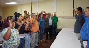 El Alcalde Alexis Toledo, estuvo a cargo de la juramentación de la directiva de la Caja de Ahorro electa para el período 2013-2016