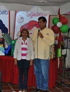 Alcalde y señora Lourdes
