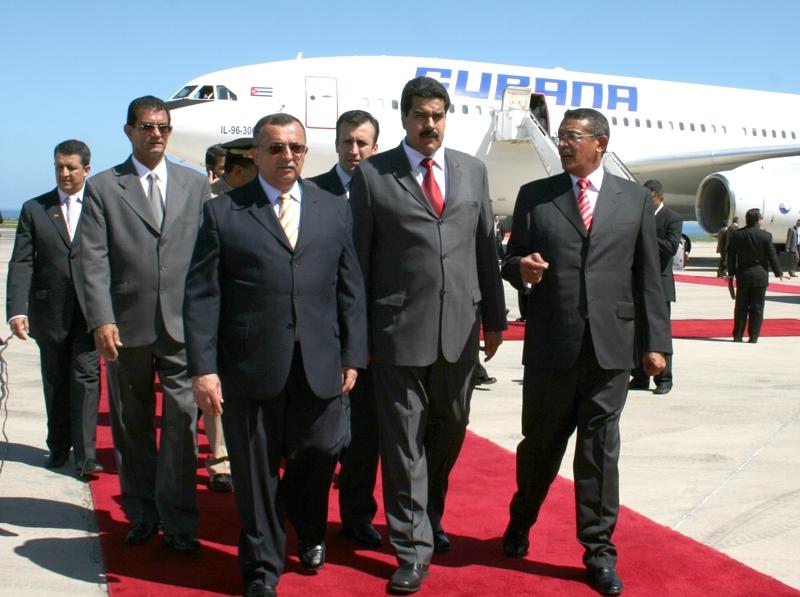 alcalde_gobernador_y_parte_de_comitiva.jpg